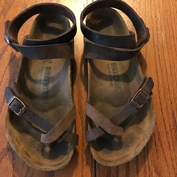 9d993ed79598 Birkenstock Shoes - BIRKENSTOCK Yara Oiled Leather Habana Sandals